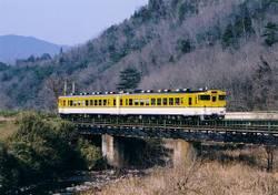 Oka48_tsuyama_fukuwatari_koume_2004